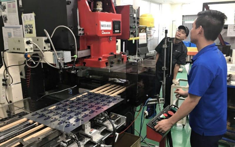 回復の早い自動車関連に比べ機械メーカーは受注が滞っている(名古屋市の日研工業)