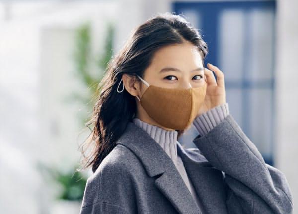 マスクの色や柄を多数そろえ、ファッション性を重視した