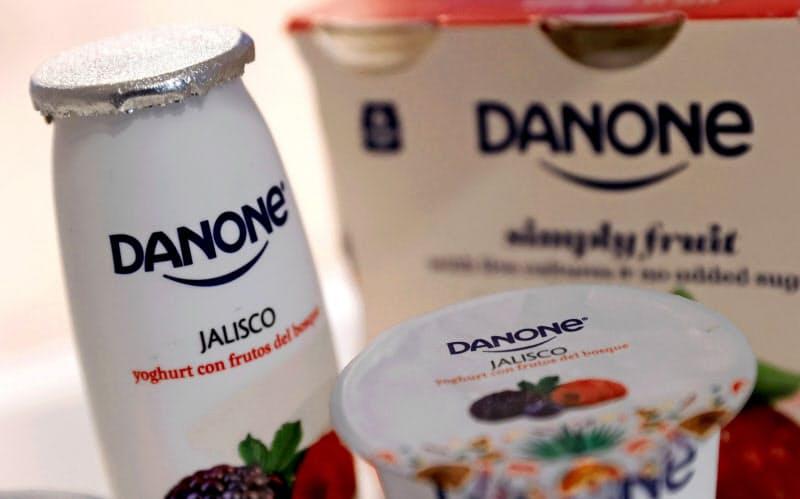 家庭の食料品在庫が切り詰められるなかで、ダノン製品の販売見通しは厳しい=ロイター