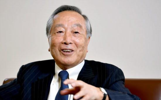 むらた・じゅんいち 1935年京都市生まれ。京都商工会議所会頭だった2007年、「源氏物語千年紀委員会」会長に就任。08年の記念式典で「古典の日」の制定を宣言。09年から「古典の日推進委員会」の会長として古典の普及に尽力している。