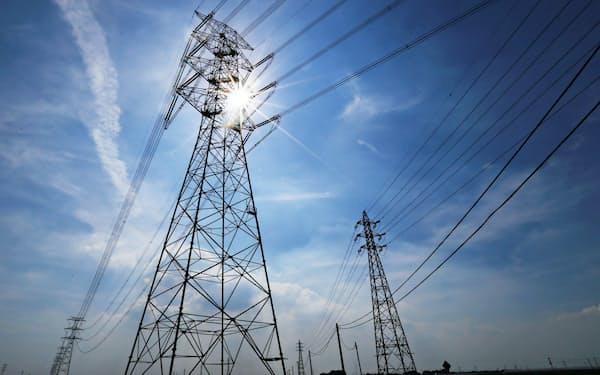 欧州に比べて遅れている送電インフラの整備を急ぐ