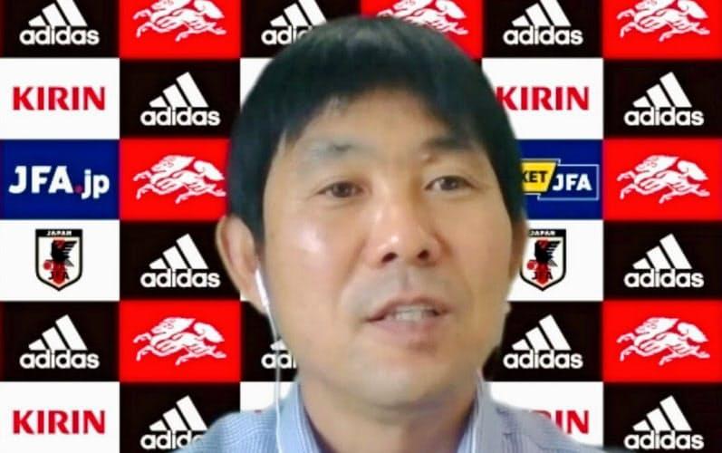 オンライン取材に応じるサッカー日本代表の森保監督(20日午後)=共同
