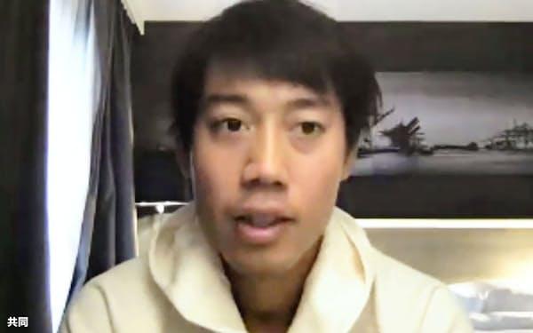 オンライン形式で記者会見するテニスの錦織圭(20日)=共同