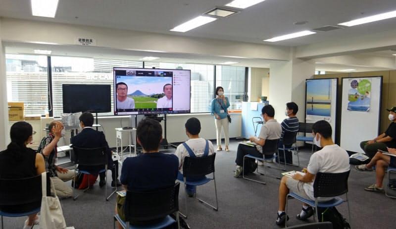 香川県の8月のオンライン相談では地元の農家との対話もあった