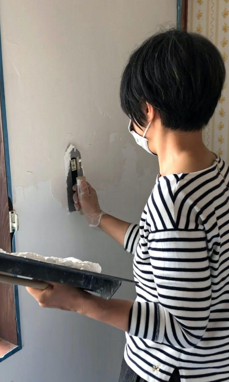漆喰も下塗り材も石油系成分を使わない