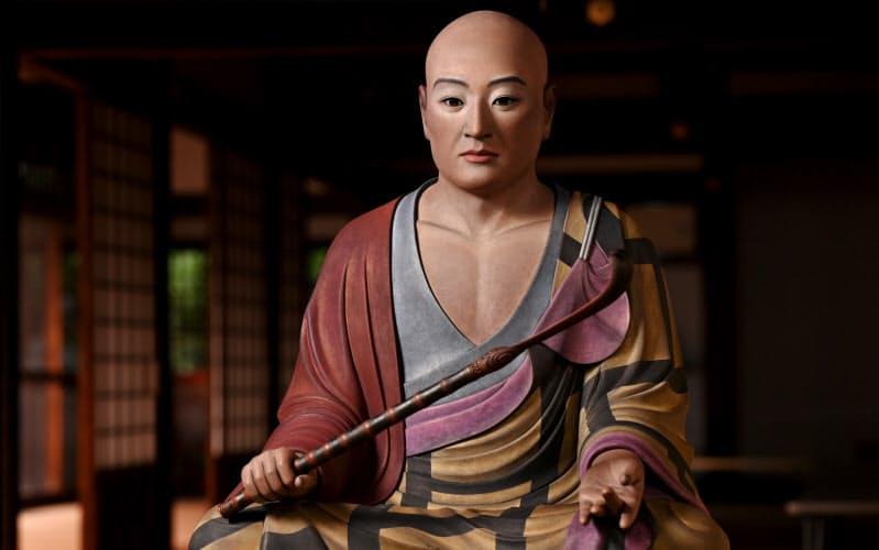 西大寺に奉納される道鏡禅師坐像(奈良市)