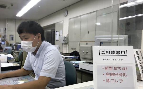 取引先の中には資金流出が続いているところもある(名古屋銀行当知支店、名古屋市港区)