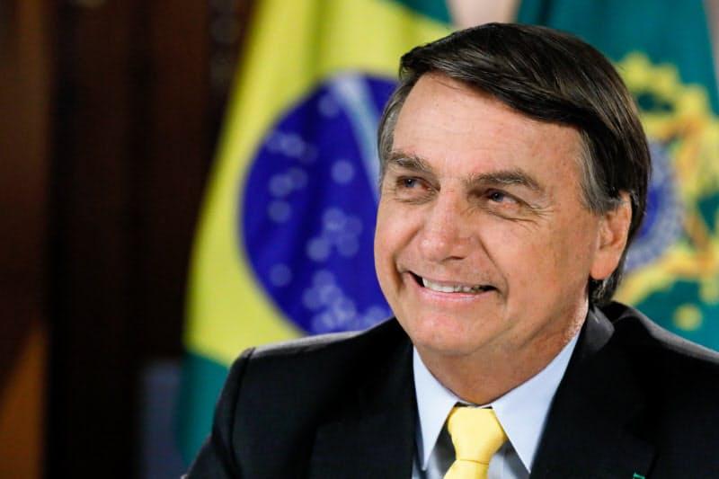 ブラジルのボルソナロ大統領は中国製ワクチンへの警戒論を唱える(19日、ブラジリア)=ブラジル大統領府提供