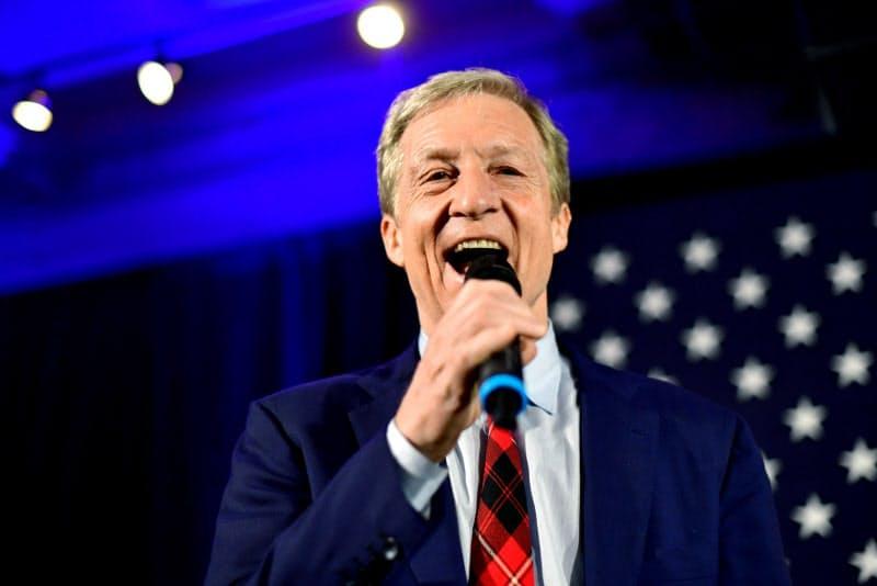 民主党の予備選に出馬した実業家トム・ステイヤー氏(写真は20年2月)=ロイター