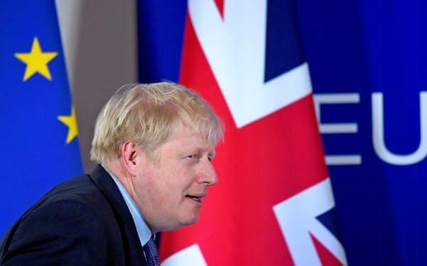 ジョンソン英首相は中断していたEUとの将来関係交渉の再開を決めた(写真は2019年10月、ブリュッセルにて)=ロイター