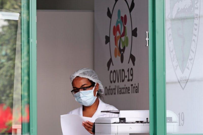 アストラゼネカはブラジルでワクチンの治験を実施している(6月、サンパウロ)=ロイター