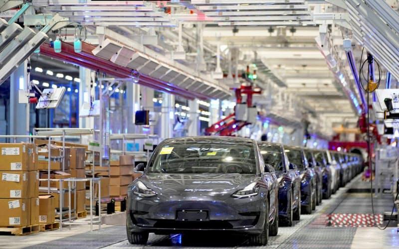 テスラ、「利益の質」も改善 本業EVの稼ぐ力高まる