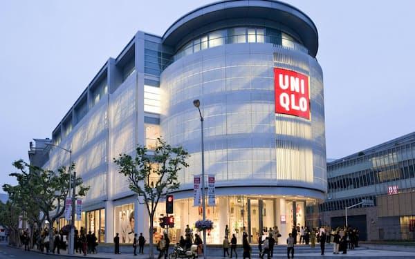 ファーストリテイリングは「アパレル世界1位」を掲げて中国事業を伸ばしてきた(上海の旗艦店)