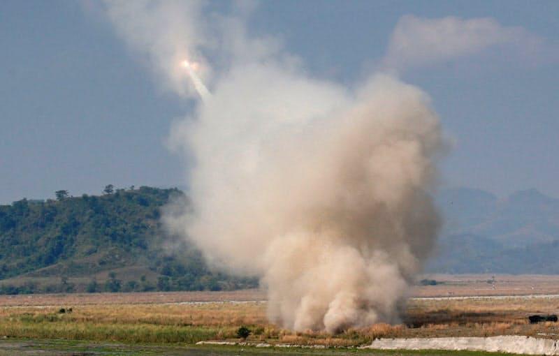 米政府は21日、車両からミサイルを発射する「HIMARS」などを台湾に売却することを承認した=ロイター