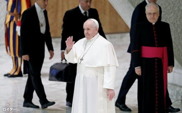 ローマ教皇フランシスコは離婚などにも柔軟な姿勢を示している(10月、バチカン)=ロイター