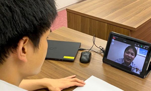 神戸市は新型コロナの影響を考慮し、ウェブを使った採用面接を導入する