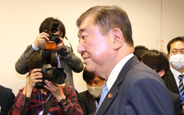 派閥会長を辞任した自民党の石破茂元幹事長(22日、国会内)