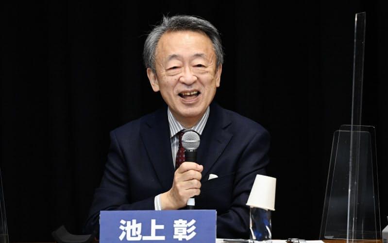 討論する池上彰氏(10日、東京都豊島区)
