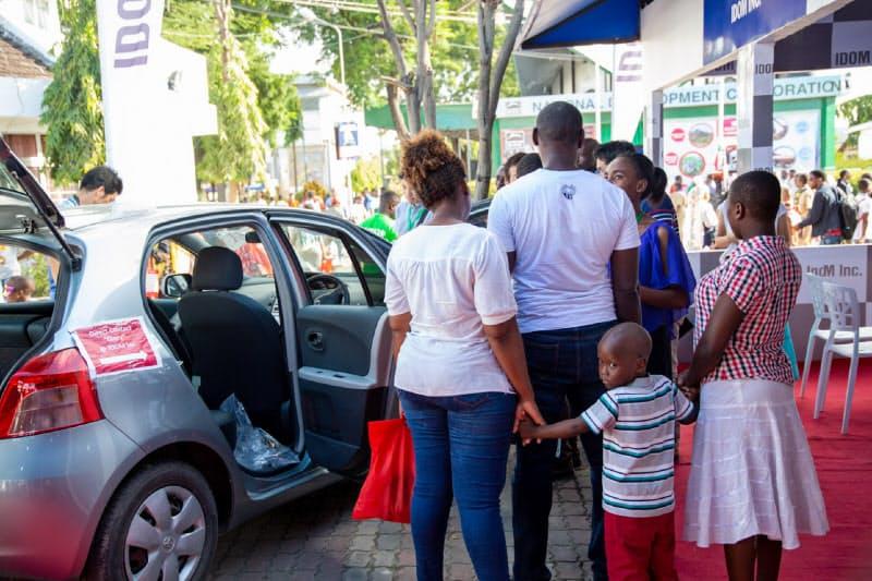 IDOMは自動車ローンも提供し、需要を取り込む(写真は現地の中古車販売店)