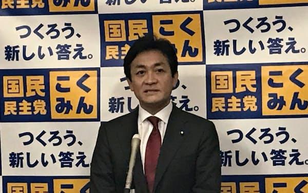 記者会見する国民民主党の玉木雄一郎代表(23日、国会内)