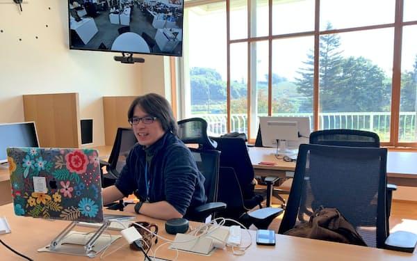 凸版印刷は廃校を改装した複合施設内に、新拠点を開設した(長野県飯綱町)