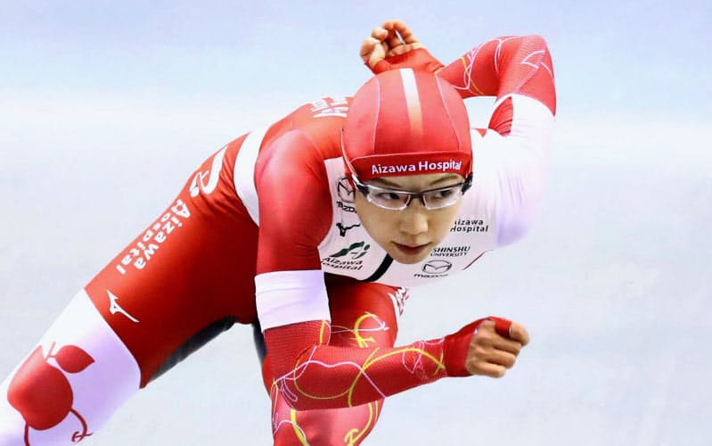 女子500メートルで優勝した小平奈緒(23日、エムウエーブ)=共同・代表撮影