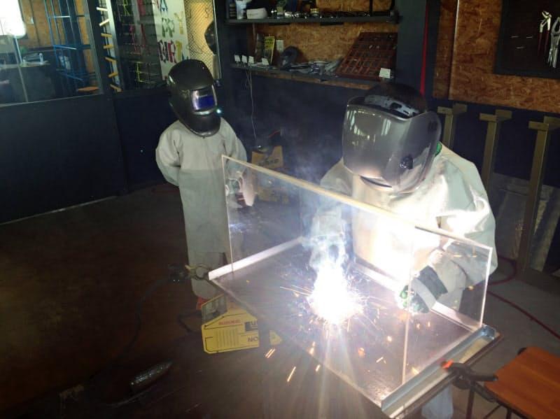 長田工業所は「溶接のテーマパーク」として溶接体験をフランチャイズする(坂井市の本社)