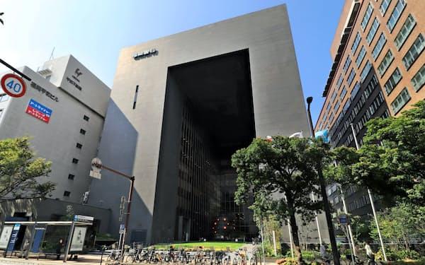 福岡銀行本店(福岡市)