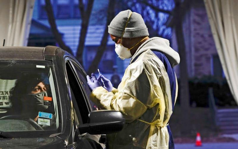 米コロナ新規感染、8.3万人 過去最多に