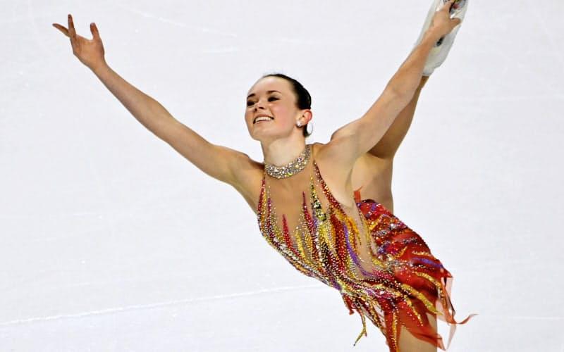 スケートアメリカの女子で優勝したマライア・ベルのフリー(24日、ラスベガス)=AP