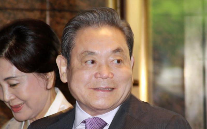 サムスンの李健熙会長死去 中興の祖、半導体を育成