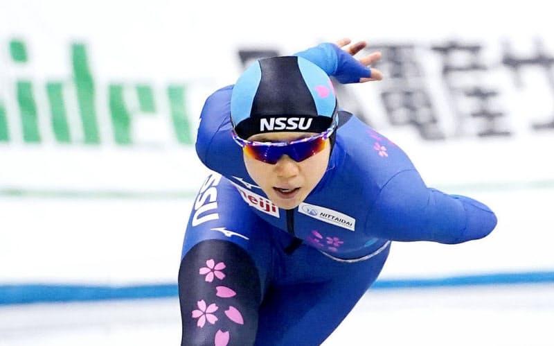 女子1500メートルで1分54秒81の大会新で5連覇を果たした高木美帆(25日、エムウエーブ)=代表撮影・共同