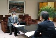 新潟県の花角英世知事に検証結果を報告する技術委員会の中島健座長
