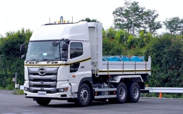 自動運転技術を搭載した日野自動車の大型ダンプトラック