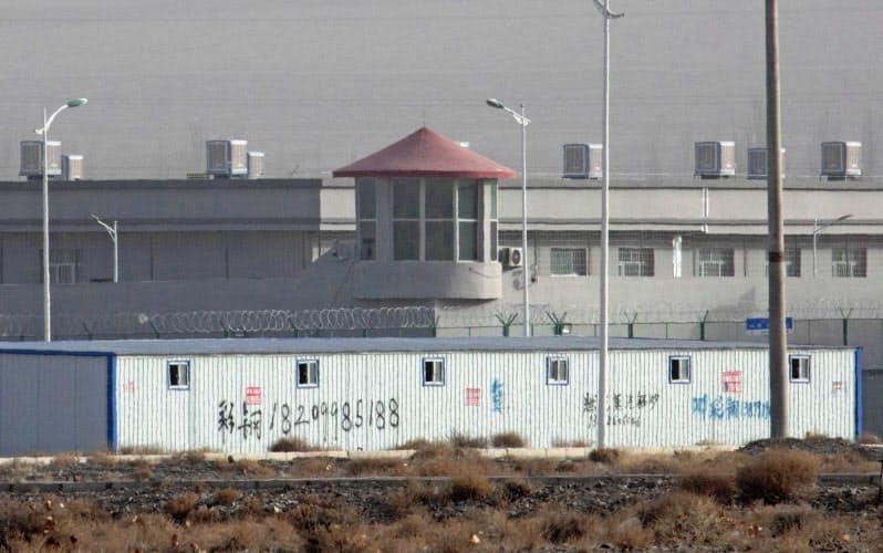 中国の新疆ウイグル自治区では収容施設とみられる設備が拡張・新設されつつあると豪シンクタンクは指摘する(写真は2018年)=AP