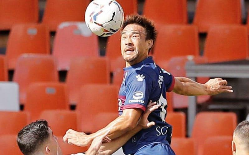 岡崎はクラブでの結果を評価され、日本代表の10月のオランダ遠征に呼ばれたことに誇りを感じるという=共同