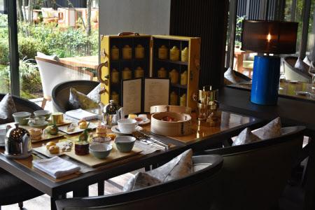 アフタヌーンティーにも京都の伝統工芸品を取り入れる
