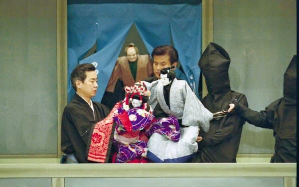 第2部で上演される「新版歌祭文 野崎村の段」(2009年、国立文楽劇場)