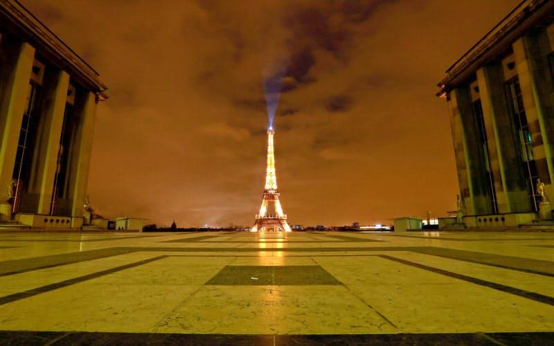 パリ、感染拡大で再び外出制限