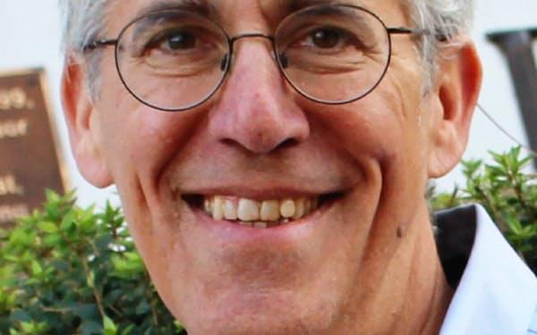 Jeffrey Wasserstrom 米カリフォルニア大学バークレー校博士(歴史学)。ケンタッキー大学などを経て、2006年からアーバイン校で教壇に立つ。中国に関する著書多数。専門は中国史。