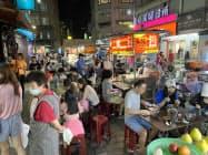 新型コロナの感染拡大を抑え、台湾の民間消費は回復してきた(9月、台北市)