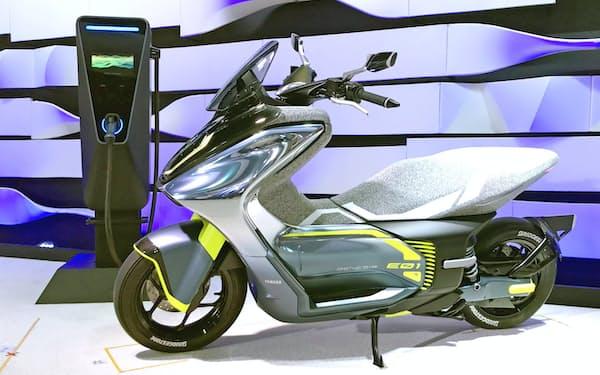 ヤマハ発動機は新規格に対応したモデルの開発を進める(コンセプトモデルの「E01」)