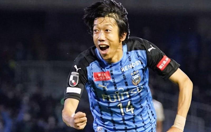 川崎―FC東京 後半に決勝ゴールを決めた川崎・中村=共同