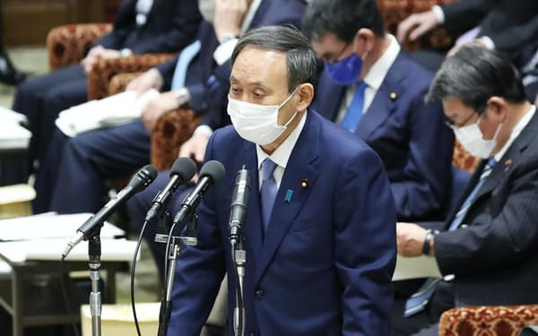 衆院予算委で自民・下村政調会長の質問に答える菅首相(2日午前)