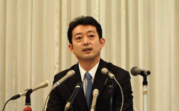 千葉県知事選への出馬を正式に表明した千葉市の熊谷俊人市長(2日、千葉市)