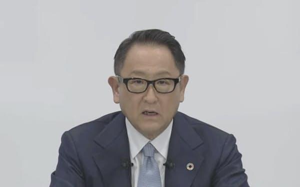 6日、オンラインで決算発表会見するトヨタ自動車の豊田章男社長