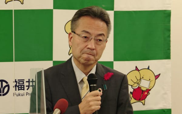 福井県の杉本知事は定例会見で「情報を出すのが遅い」と述べた(10日、福井県庁)