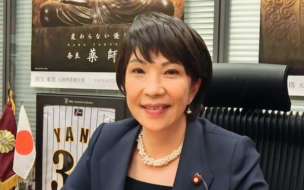 たかいち・さなえ 神戸大経営卒。党政調会長、衆院議運委員長など歴任。党デジタル社会推進本部顧問。衆院奈良2区、59歳。