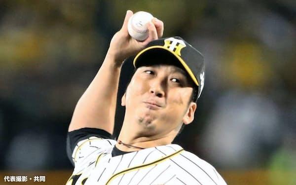 9回、引退試合で登板する阪神・藤川(10日、甲子園)=代表撮影・共同