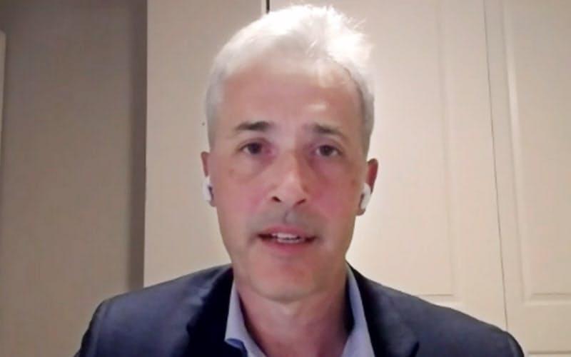 オンラインで講演するファクトセットのフィリップ・スノーCEO(11日)